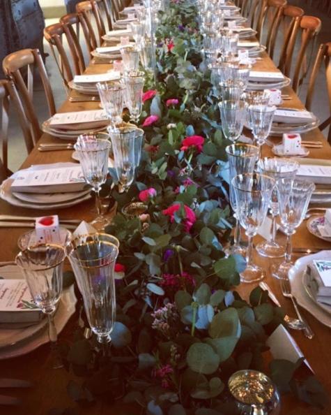 Decoración de bodas, bodas en el campo, bodas diferentes, seatingplan, papelería de boda, wedding planner madrid, ceremonias civiles, decoración de mesas, mesas imperiales, guirnalda de flores