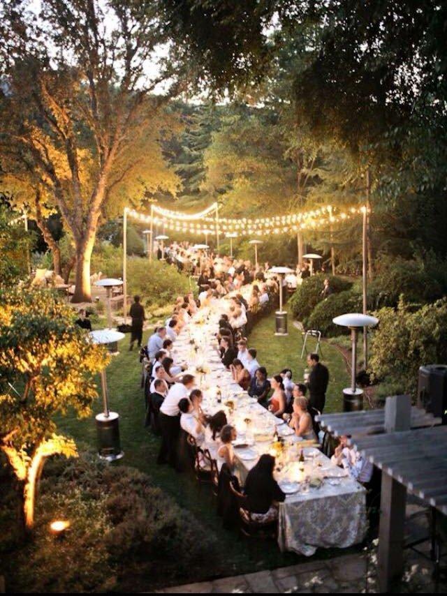 mesas imperiales bodas, mesas largas bodas, wedding planner Madrid, wedding planner Spain, decoración bodas , tendencias bodas 2015, iluminación bodas guirnaldas