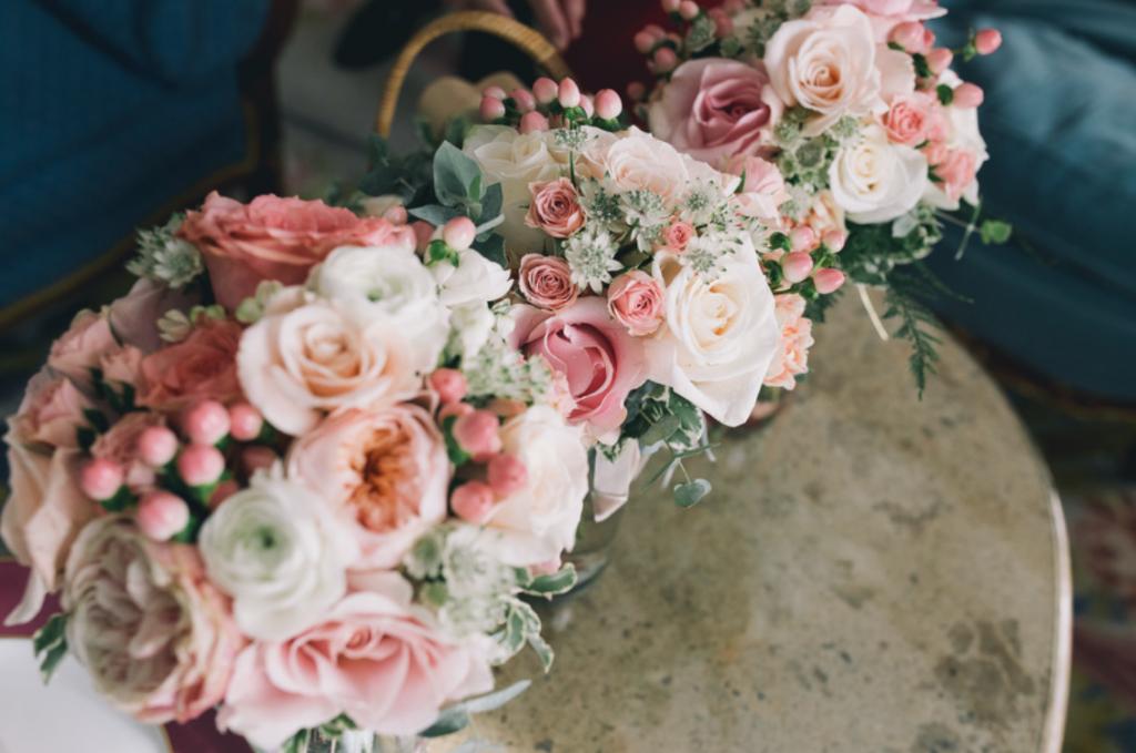 Boda urbana y elegante en el hotel Ritz de Madrid by Tu Día Perfecto Wedding Planner. Arreglos florales