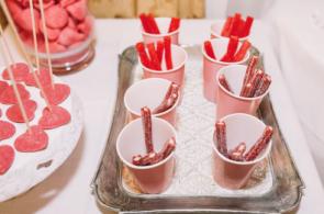 Boda urbana y elegante en el hotel Ritz de Madrid by Tu Día Perfecto Wedding Planner. Candy Bar boda, mesa de chuches