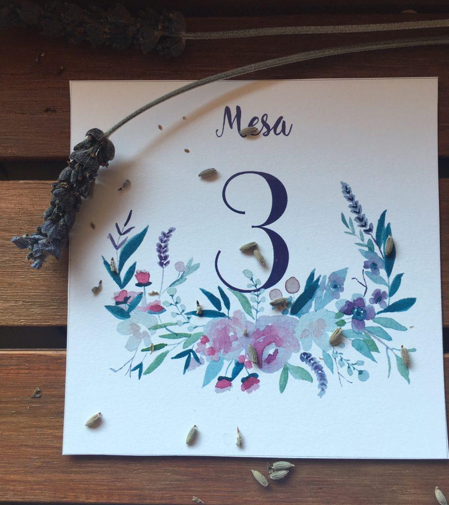 En el jardín: invitaciones de boda románticas, invitaciones de boda provenzales: lavandas, rosas y flores silvestres. Romantic wedding stationery, lavender, rosas and wild flowers.
