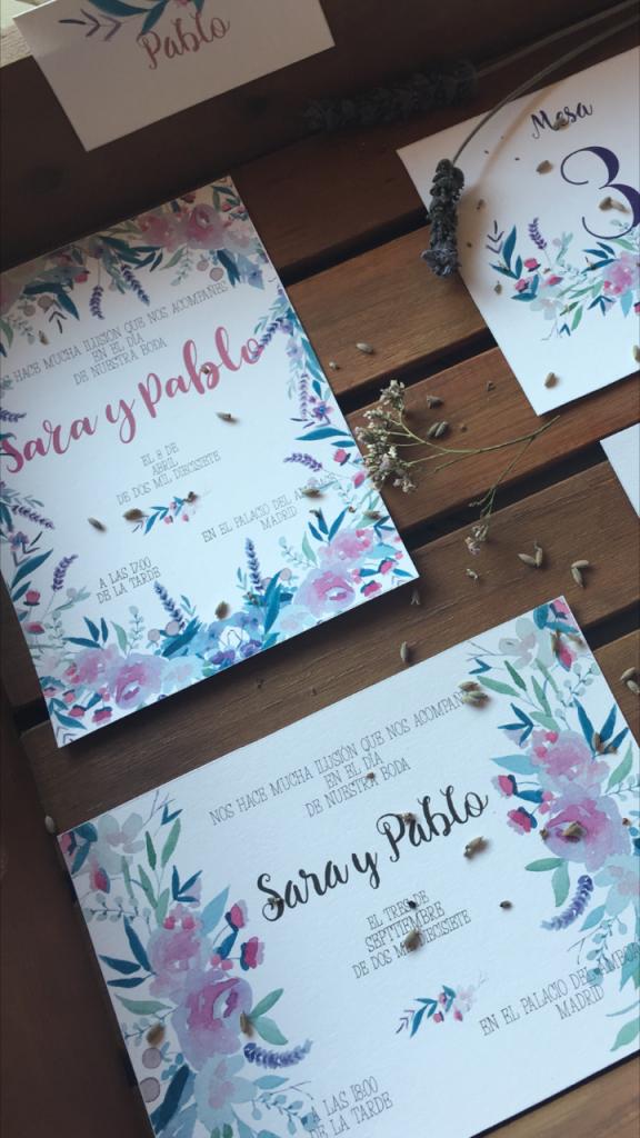 En el jardín by Tu Día Perfecto Wedding Planner: invitaciones de boda románticas, invitaciones de boda provenzales: lavandas, rosas y flores silvestres. Romantic wedding stationery, lavender, rosas and wild flowers.