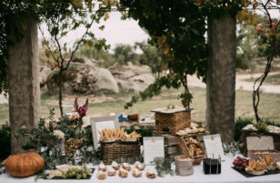 Tu Día Perfecto Wedding Planner: invitaciones de boda románticas, invitaciones de boda provenzales: lavandas, rosas y flores silvestres. Romantic wedding stationery, lavender, rosas and wild flowers. meseros, papelería de boda, decoración de bodas corner de quesos, mesa de quesos