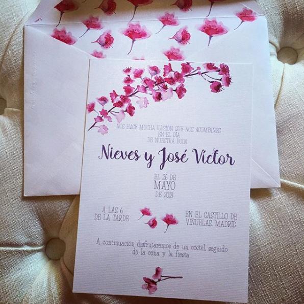 invitaciones de boda personalizadas a acuarelas cerezos en flor