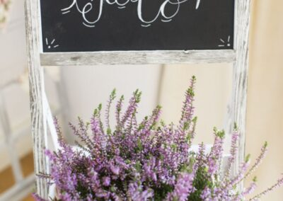 Detalle boda flores cesta